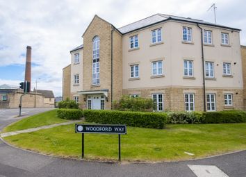 2 bed flat to rent in Woodford Way, Witney OX28