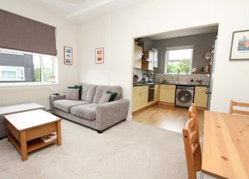 Pinner Road, Northwood HA6. 2 bed flat