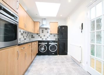 Thumbnail 3 bedroom flat to rent in Avenue Road, Beckenham