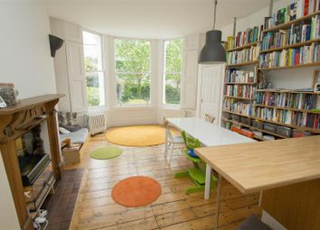 Thumbnail 2 bed flat to rent in Hilldrop Crescent, London