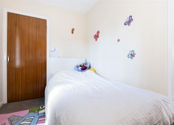 Thumbnail 2 bedroom flat for sale in Earlswood Road, Redhill