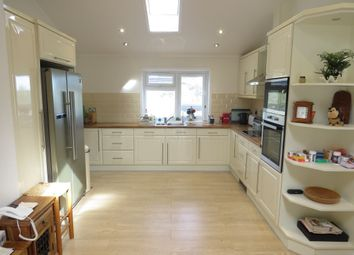 3 bed mobile/park home for sale in Worley Way, Lone Pine Park, Ferndown BH22