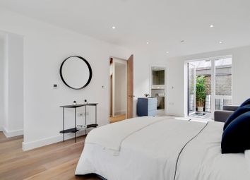 Thumbnail 3 bed town house for sale in Pope Street, London
