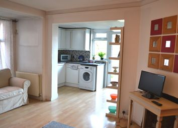 Thumbnail 2 bed flat to rent in Audley Road, Hendon, London