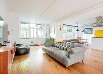 Colonnades Apartments, Wilton Way, Hackney, London E8. 2 bed flat for sale