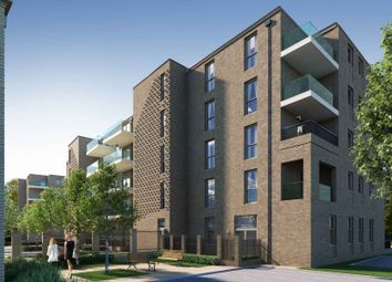 Thumbnail 1 bedroom flat for sale in Fielders Crescent, Barking