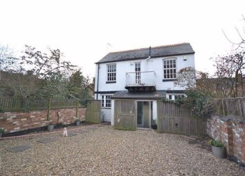 2 bed property to rent in Central Avenue, Stoneygate, Leicester LE2