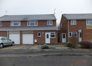 Thumbnail 3 bedroom property to rent in Bevisland, Swindon