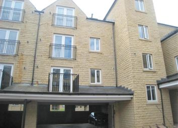 2 bed flat to rent in Winchester Court, Halifax HX3