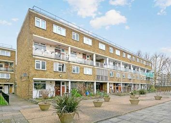 3 bed maisonette to rent in Wyllen Close, Cambridge Heath Road, Whitechapel, Bethnal Green, London E1