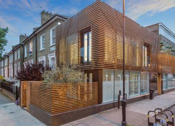 Thumbnail 3 bed town house for sale in 62A Halliford Street, Islington, London