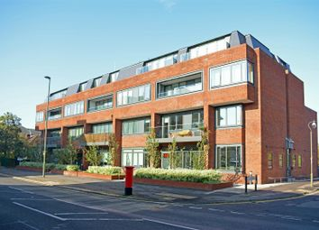 2 bed flat for sale in East Street, Epsom KT17