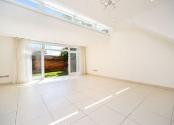 Thumbnail 4 bed flat to rent in Walpole Gardens, Chiswick