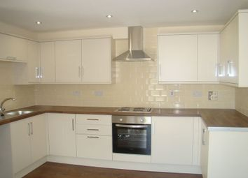 Thumbnail 2 bed detached house to rent in Luton Road, Chatham