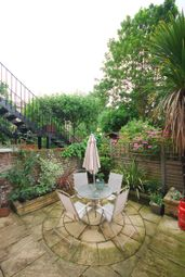 Thumbnail 2 bed maisonette to rent in Halliford Street, Islington