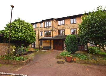 Thumbnail 1 bed flat to rent in Oak Lodge, London