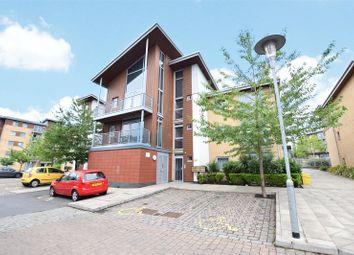 Thumbnail 1 bed flat for sale in Kelvin Gate, Bracknell, Berkshire