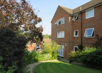 Regal Court, Western Road, Tring HP23. 2 bed flat