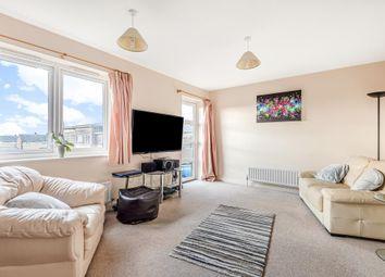Thumbnail 2 bed flat for sale in Newbury, Berkshire