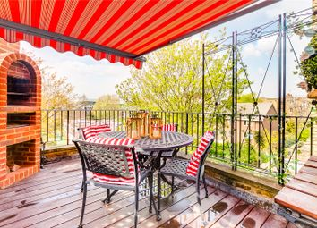 2 bed flat for sale in Tadema Road, London SW10