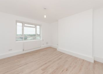 Thumbnail 4 bed flat to rent in Auckland House, Shepherds Bush London