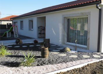 Thumbnail 4 bed detached house for sale in Auvergne, Puy-De-Dôme, Peschadoires