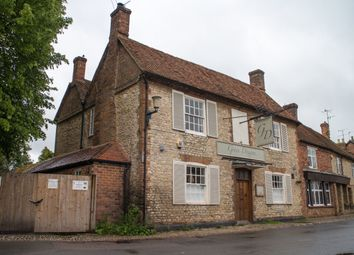 Thumbnail Pub/bar for sale in Churchway, Haddenham