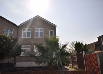 Austral Drive, Hornchurch, Essex RM11. 2 bed maisonette