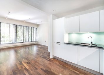 Shaftesbury Avenue, Covent Garden WC2H. 1 bed flat