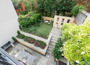 Thumbnail 5 bed town house to rent in Thornwood Gardens, London