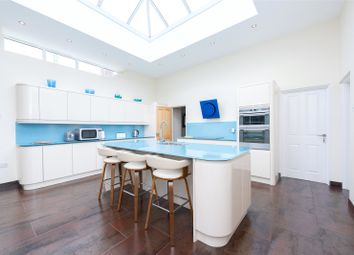 Thumbnail 3 bed bungalow for sale in The Avenue, Mortimer Common, Reading
