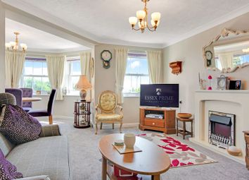 2 bed property for sale in Marine Parade West, Clacton-On-Sea CO15