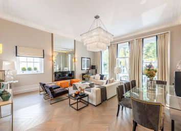 3 bed maisonette to rent in Cornwall Gardens, South Kensington, London SW7