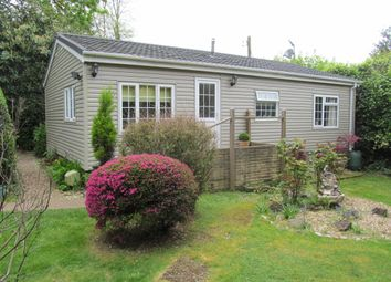 Thumbnail 2 bedroom mobile/park home for sale in Wellingtonias, Warfield Park, Bracknell, Berkshire, 3Rl