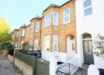 3 bed flat to rent in Elthorne Avenue, London W7