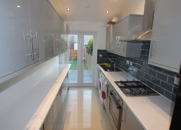 Thumbnail Room to rent in Bell Lane, Enfield