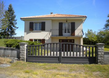 Thumbnail 4 bed detached house for sale in Poitou-Charentes, Charente, Chabanais