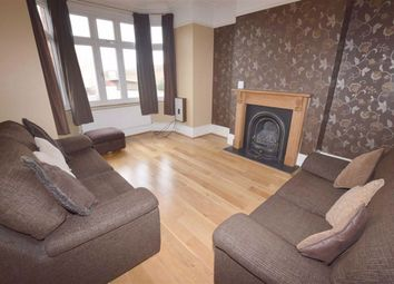 3 bed terraced house to rent in Long Lane, Finchley, London N3