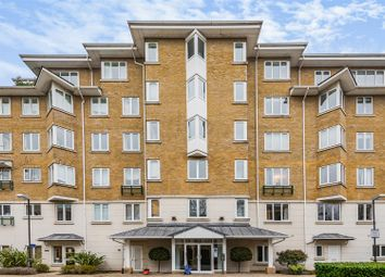 Strand Drive, Kew, Richmond TW9. 2 bed flat for sale