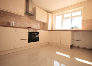 3 bed flat for sale in Lodge Lane, Grays, Essex RM17