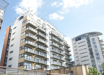3 bed shared accommodation to rent in Hutchings Wharf, Docklands E14