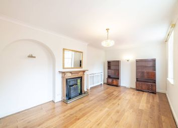 3 bed maisonette to rent in Rosslyn Hill, Hampstead, London NW3