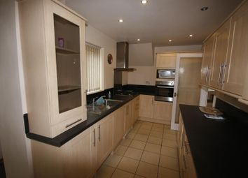 Thumbnail 3 bed property to rent in Makepeace Avenue, Warwick