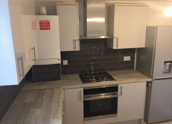 Thumbnail 1 bed flat to rent in Grrove Green Road, Leytonstone