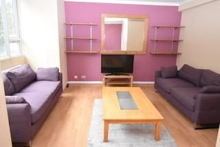 4 bed flat to rent in Hilltop Court, Wilmslow Road, Fallowfield, Manchester M14