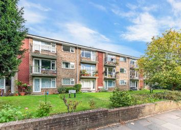 1 bed flat to rent in Lovelace Road, Surbiton KT6