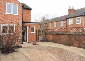 2 bed property to rent in Markenfield Road, Guildford GU1