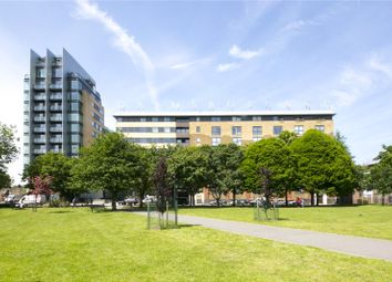 Thumbnail 2 bed flat for sale in Gainsborough Studios East, Islington