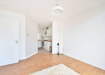 Thumbnail 1 bed flat to rent in Blenheim Grove, Peckham