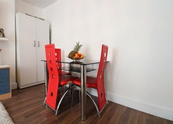 Thumbnail 1 bed flat for sale in Cobham Street, Gravesend